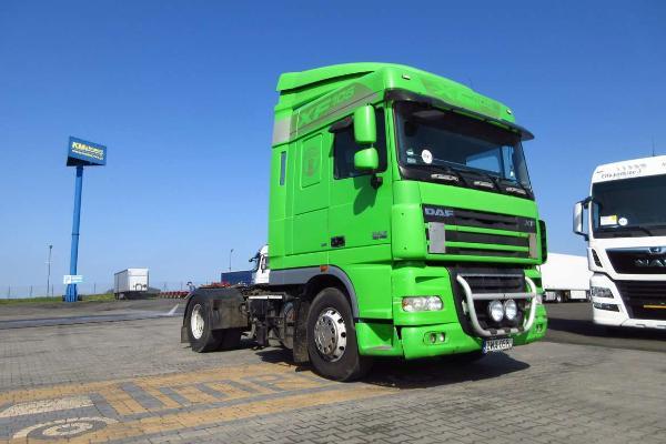 Ciągnik siodłowy DAF- KM Import