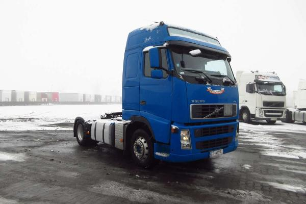 Ciągnik siodłowy VOLVO- KM Import
