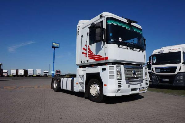 Ciągnik samochodowy RENAULT- KM Import