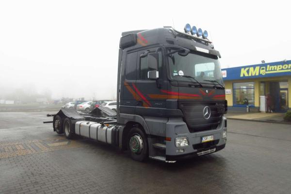 Samochód ciężarowy MERCEDES BENZ - KM Import