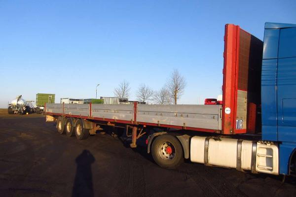Naczepa ciężarowa WIELTON- KM Import