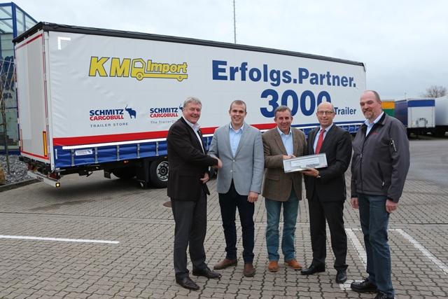 3.000 NACZEPA SCHMITZ CARGOBULL - KM Import
