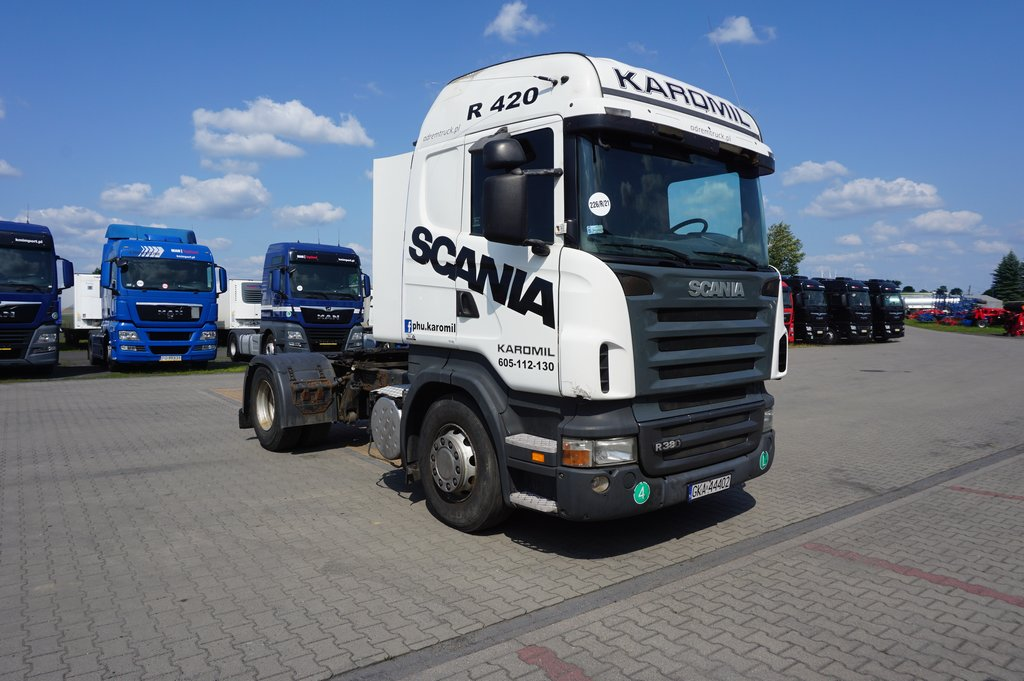 Ciągnik siodłowy SCANIA - KM Import
