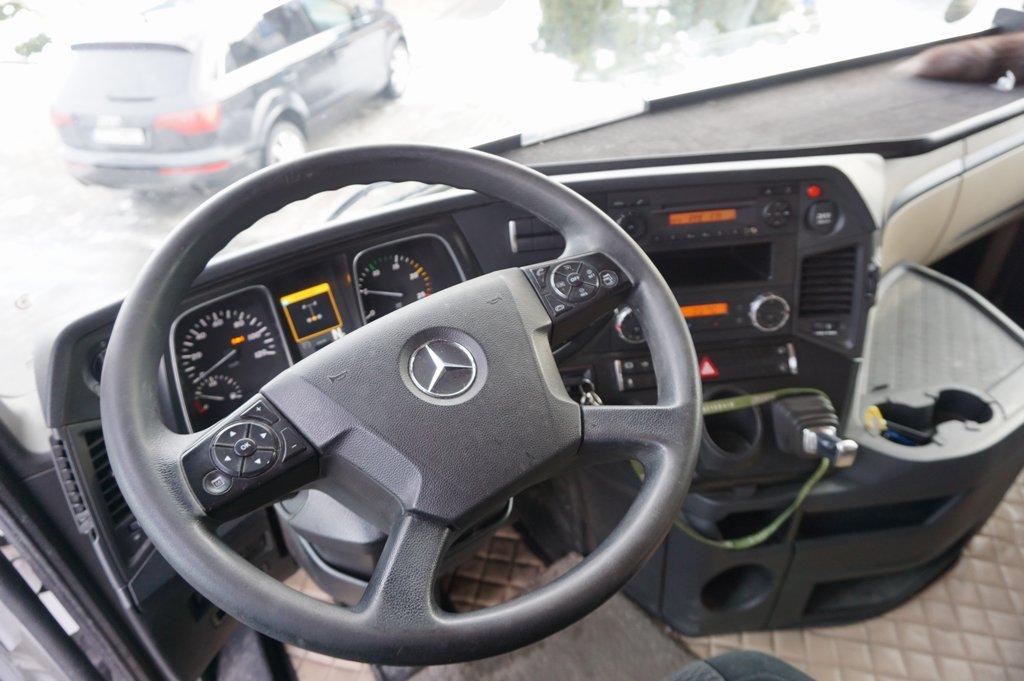 Ciągnik siodłowy Mercedes Benz