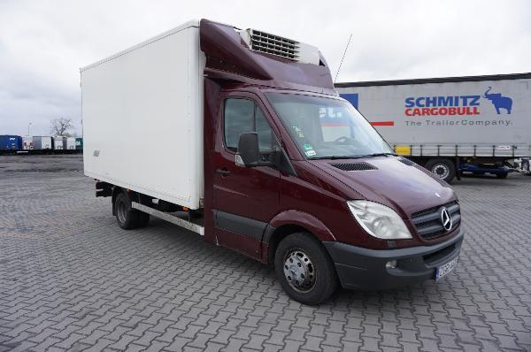 Samochód ciężarowy MERCEDES- KM Import