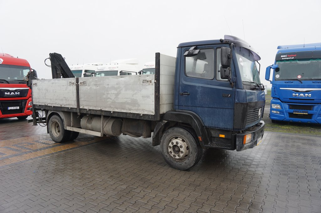 Samochód ciężarowy MERCEDES BENZ- KM Import